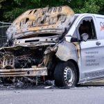 Drei Fahrzeuge nach Waldrodung angezündet